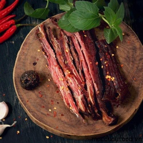 Hạt Mắc khén là gia vị không thể thiếu để tạo ra món thịt trâu gác bếp hoàn hảo